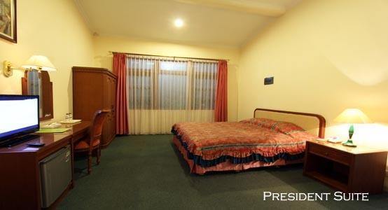 The Bandungan Hotel Semarang - President Suite