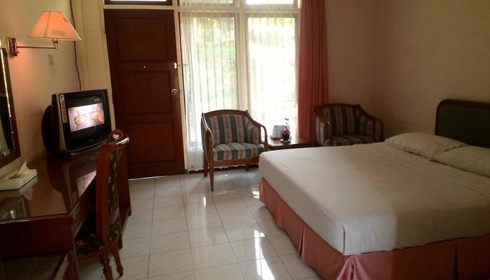The Bandungan Hotel Semarang - Standard Room