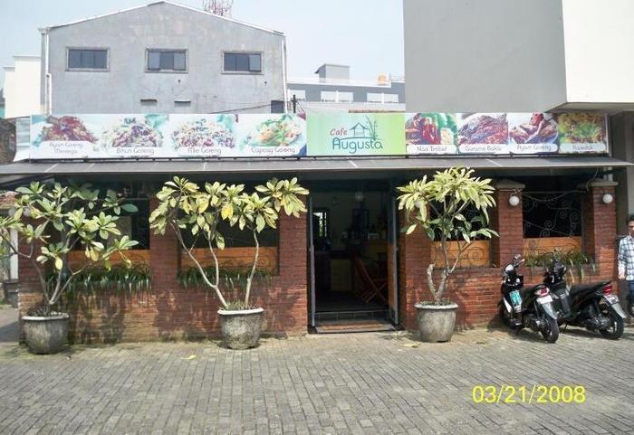 Hotel Augusta Surapati - Cafe Augusta