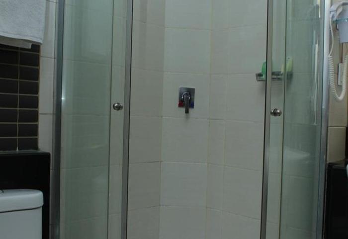 Simpang Lima Residence Semarang - Kamar mandi