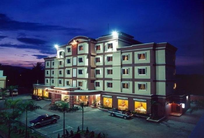 Abadi Suite Hotel   - Exterior