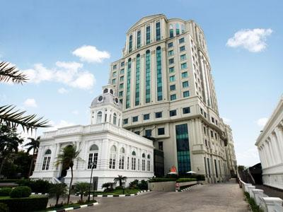 Grand Aston City Hall Hotel & Serviced Residences Medan - Tampilan Luar