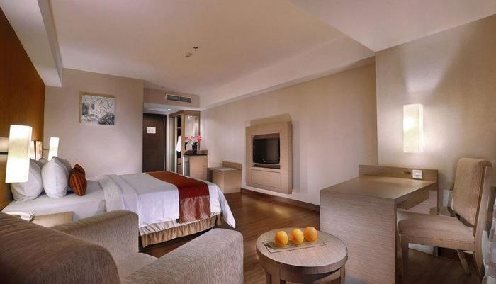 Grand Aston City Hall Hotel & Serviced Residences Medan - Deluxe Room