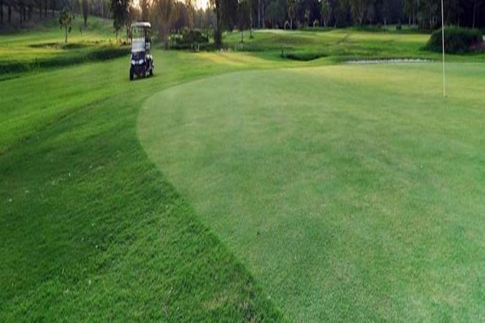 Gran Senyiur Hotel Balikpapan - Lapangan Golf