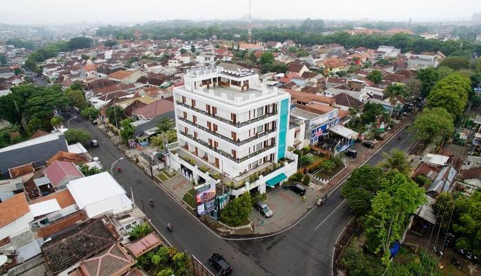 Ratu Homestay Malang Malang - Street View