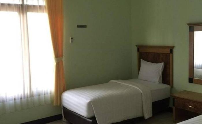 Labuan S'Rizki Hotel Pandeglang - Kamar tamu