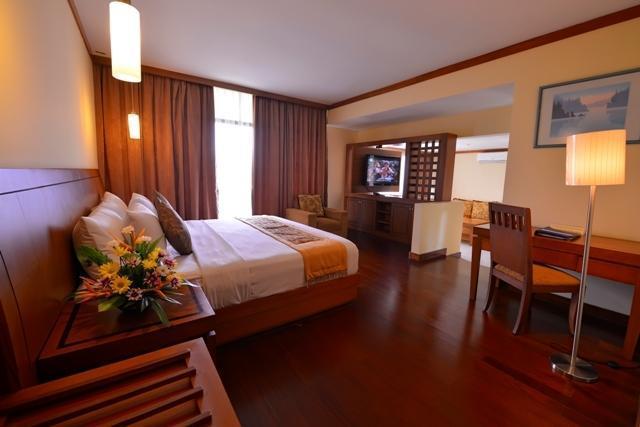Patra Jasa Semarang Convention Hotel Semarang - kamar Junior Suite villa