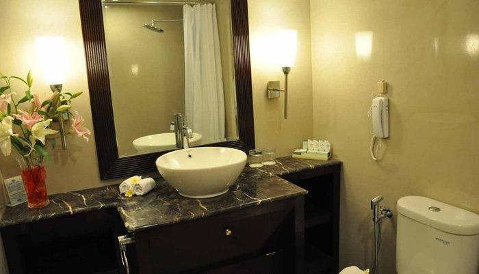 Patra Jasa Semarang Convention Hotel Semarang - Kamar mandi Deluxe