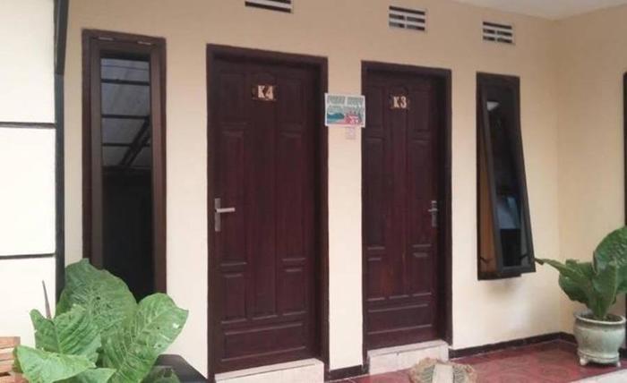 ABR 2 Homestay Malang - Eksterior