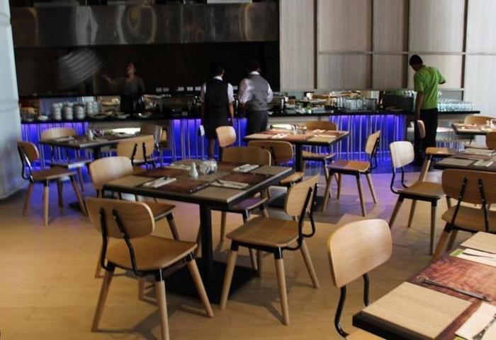 Sparks Hotel Mangga Besar Jakarta - Restaurant