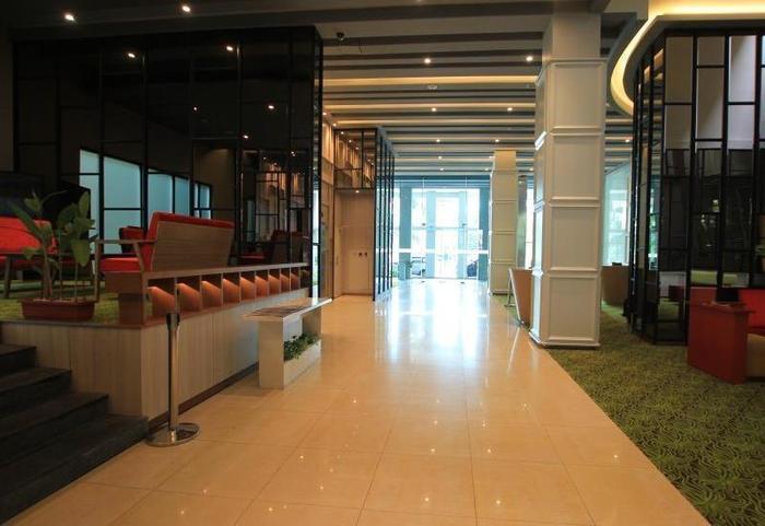 Sparks Hotel Mangga Besar Jakarta - Lobby