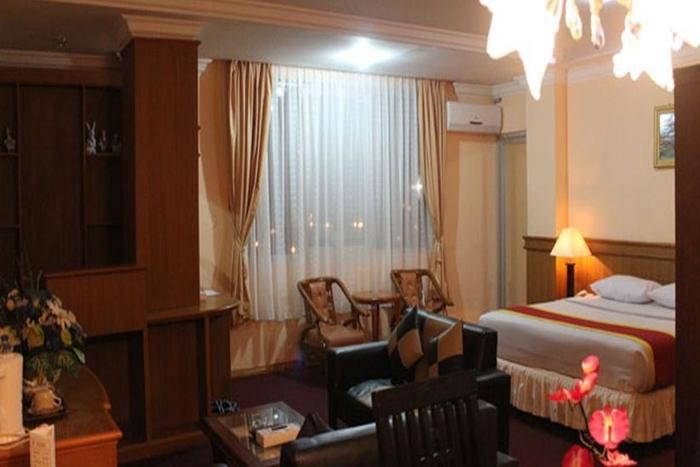 Hotel Resty Menara Pekanbaru - Kamar Tamu