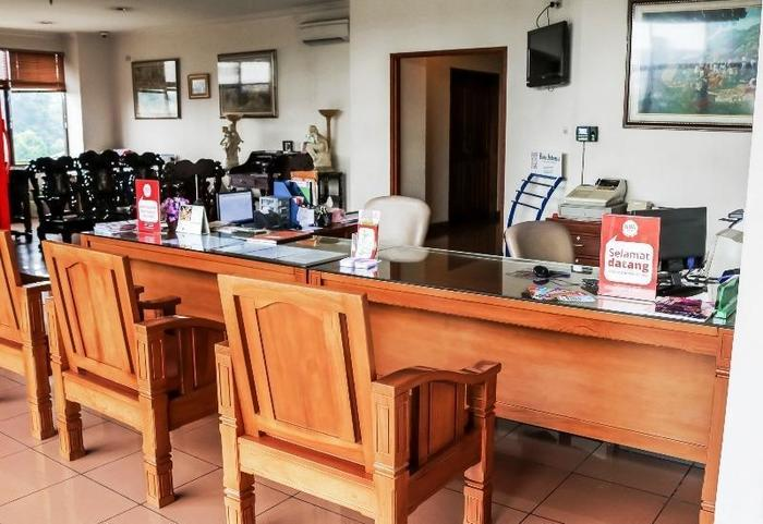 NIDA Rooms Panjaitan 18 Halim Airport - Resepsionis