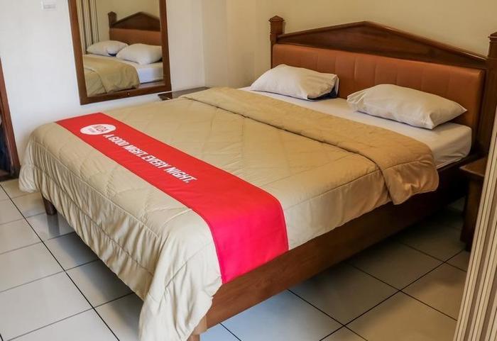NIDA Rooms Panjaitan 18 Halim Airport - Kamar tamu