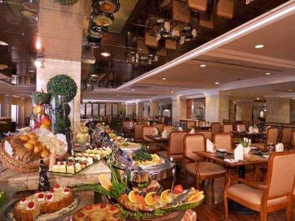 Hotel New Saphir Yogyakarta - Restoran