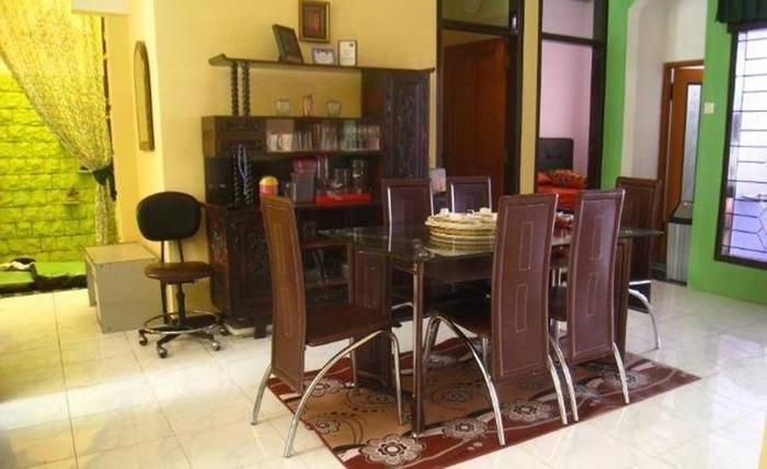 Sukaraja Guest House Bandung - Ruang tamu