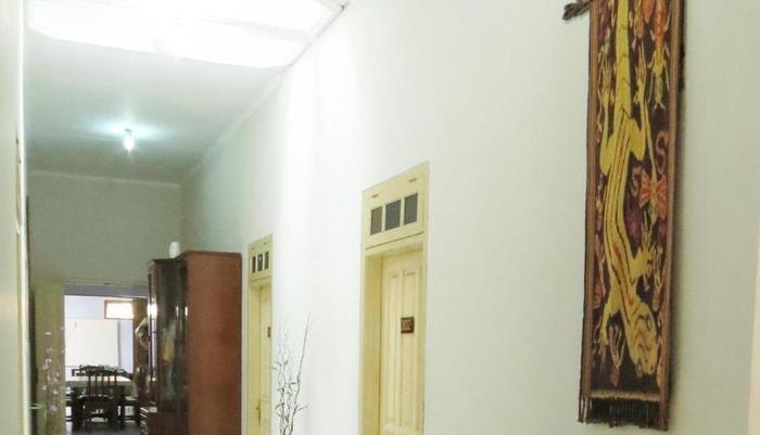 Wisma Tamu UKSW Salatiga - Interior