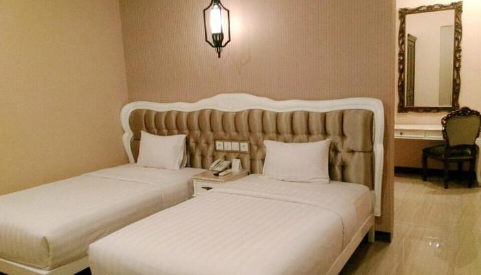 Apple Green Hotel Malang - Deluxe Twin Bed