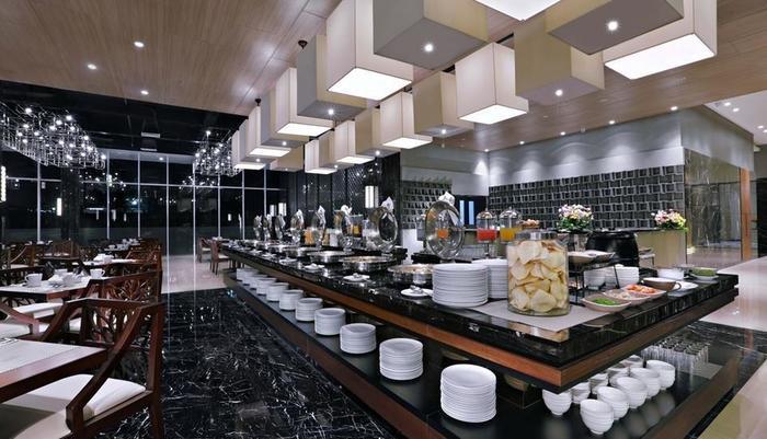 Aston Pasteur Bandung - Buffet Setup