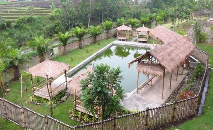 Bess Resort & Waterpark Lawang - Eksterior