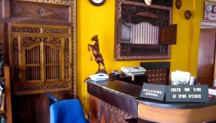 Perwita Sari Hotel Yogyakarta - Resepsionis