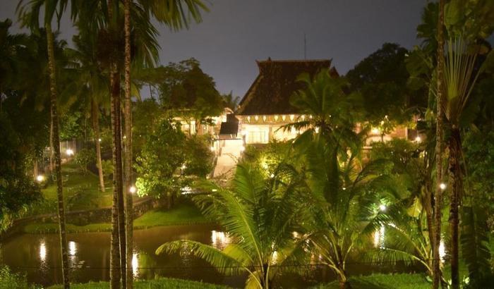 Hotel Deli River  Medan - Restauran di malam hari