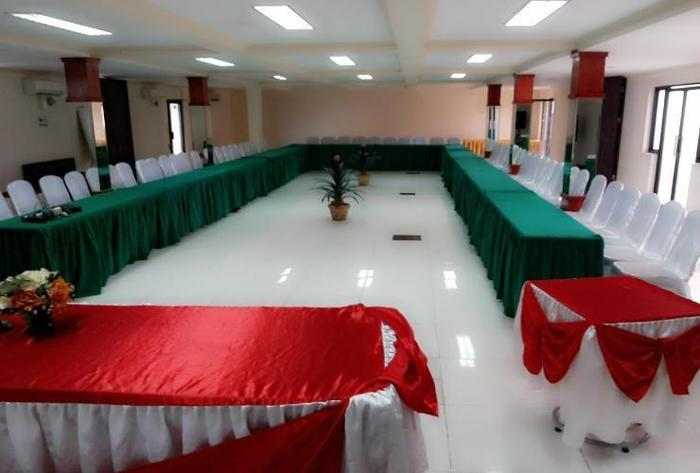 Grand Star Hotel Parepare - Meeting Room