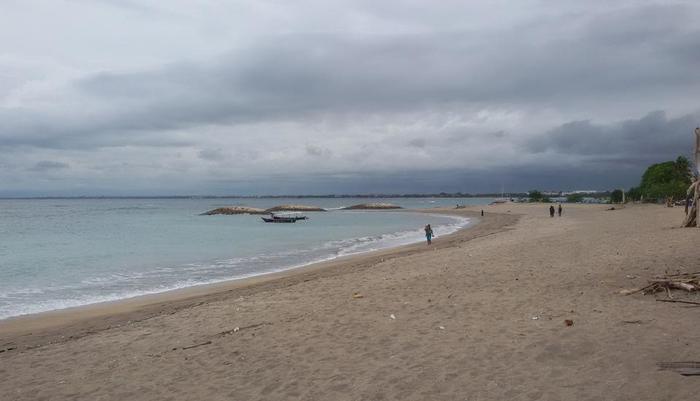 Palm Beach Hotel Kuta  - Pantai hanya seberang jalan dari hotel