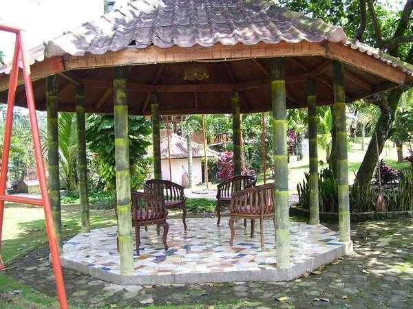 Aquarius Orange Resort Bogor - Saung