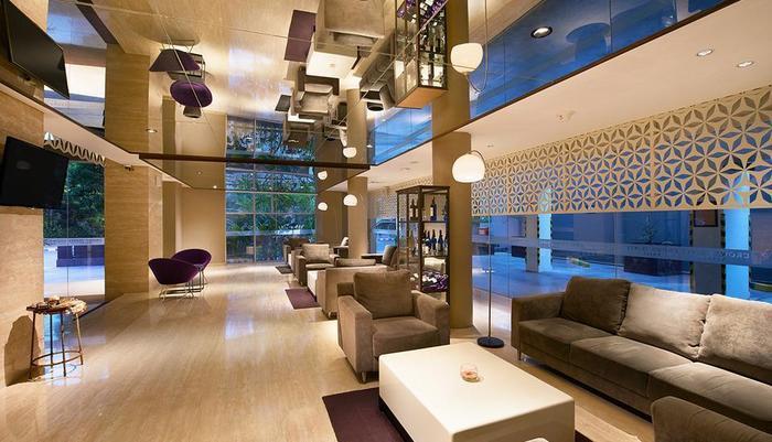 Crown Prince Hotel Surabaya - LOBI
