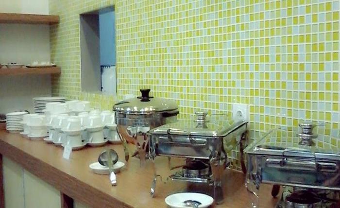 Save Hotel  Banjarmasin - Ruang makan