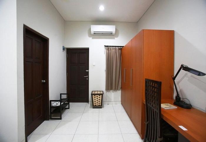RedDoorz Menteng Jakarta - Interior