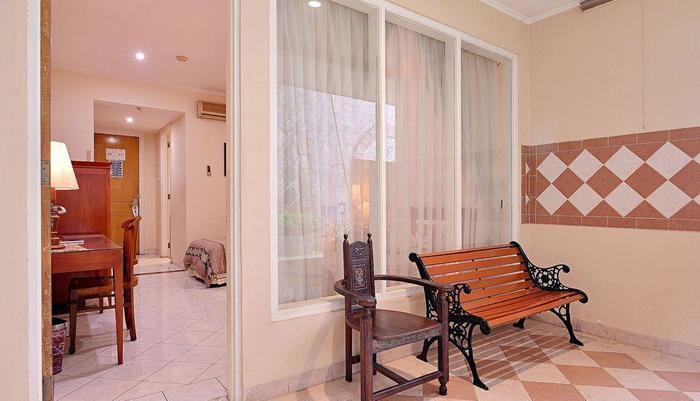 ZEN Rooms Pejaten Raya Jakarta - Balkon