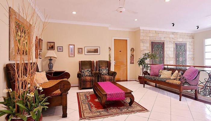 ZEN Rooms Pejaten Raya Jakarta - area tempat duduk