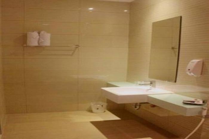 Tlogomas Guest House Malang - Kamar mandi