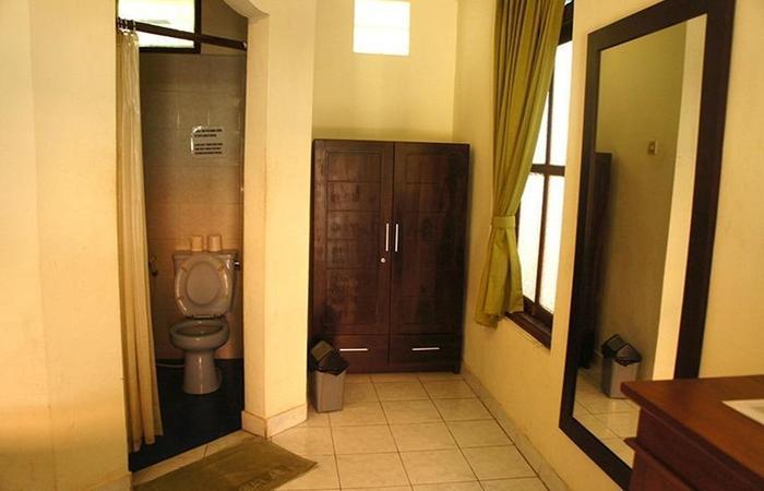 Yulia 1 Homestay Bali - Interior