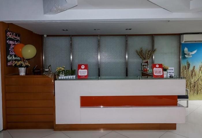 NIDA Rooms Semarang Imam Bonjol - Resepsionis
