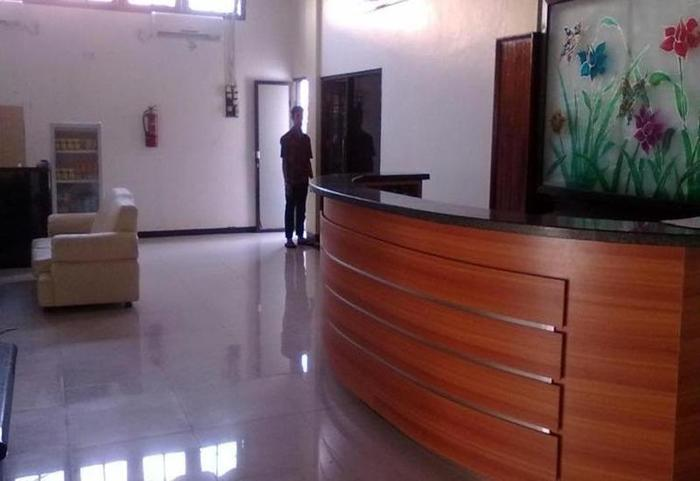 Hotel Wisata Palu Palu - Resepsionis
