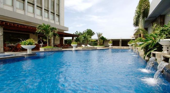 Hotel Aryaduta Palembang - Swimming Pool