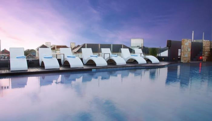 J Boutique Hotel Kuta - Sky Pool