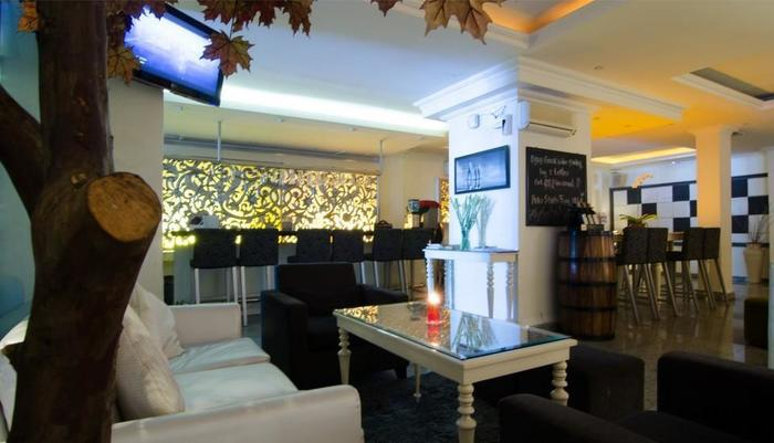 J Boutique Hotel Kuta - J Cuvee Lounge & Bar
