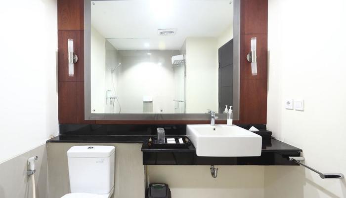 ZenRooms Legian Dewi Sri - Kamar mandi