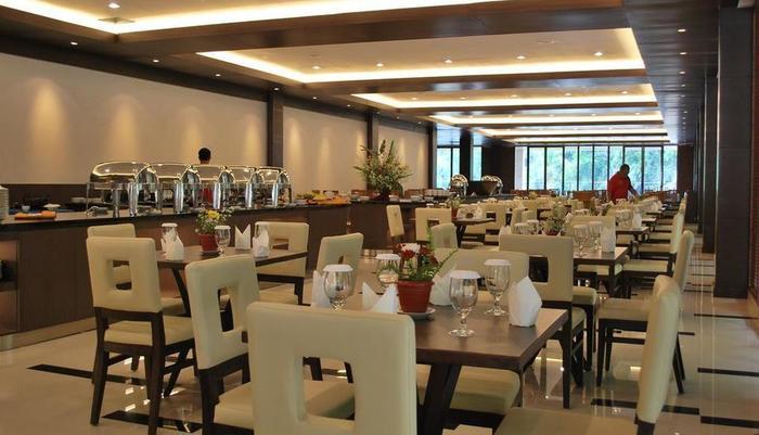 Zuri Resort & Convention Cianjur - Restaurant
