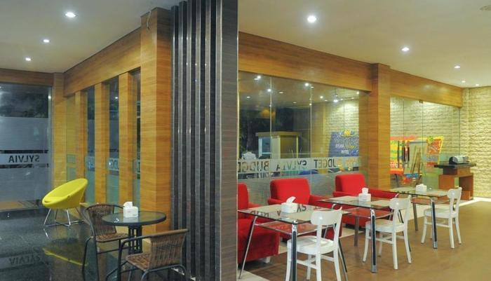 Sylvia Hotel Budget Kupang - Ruang makan