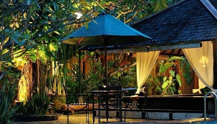 Dusun Jogja Village Inn Jogja - Bar kolam renang