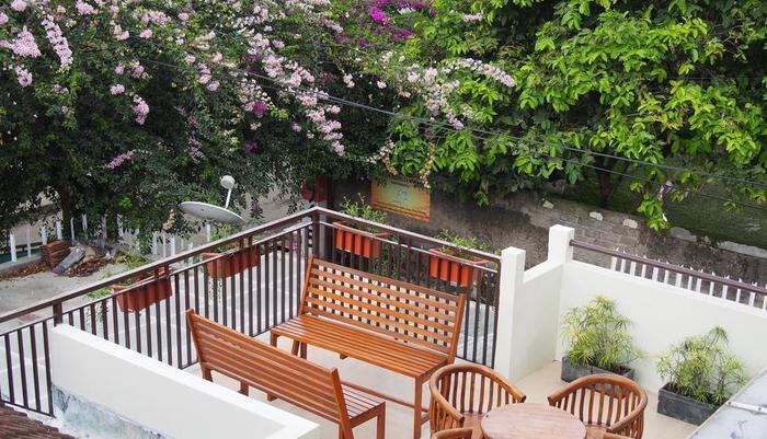 Jayagiri Guesthouse Bandung - Teras Lantai 2