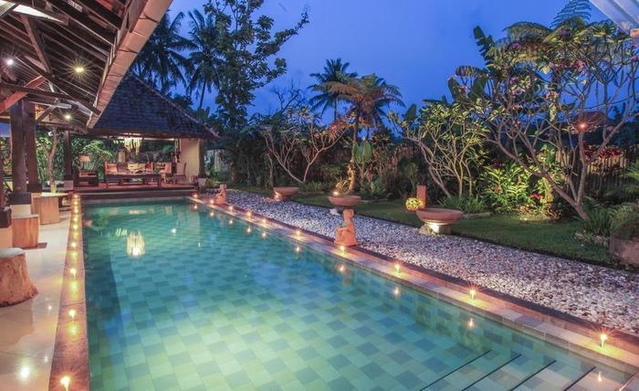 Villa Padi Pakem Yogyakarta - kolam renang