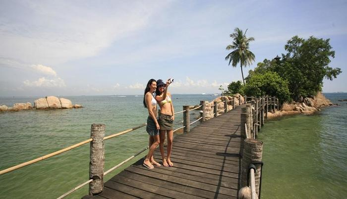Turi Beach Resort Batam - Selfie at Nusa Dua Island Bar