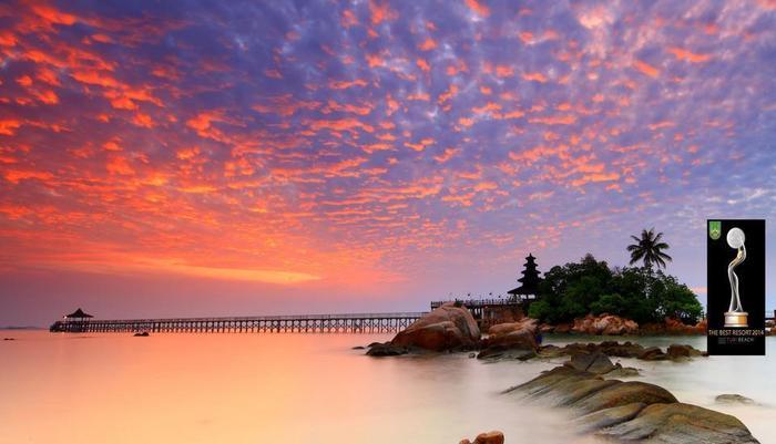Turi Beach Resort Batam - Matahari di Island Bar Turi Beach Resort