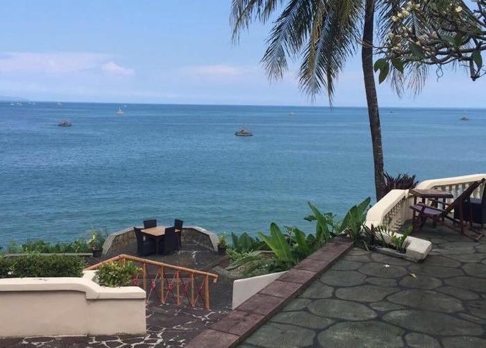 Bayu Amrta Hotel Sukabumi - Laut biru - pemandangan dari restoran